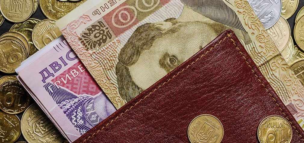 Стало известно, кому из украинцев осенью могут повысить пенсии