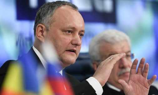 В Молдове отстранили от должности президента Додона