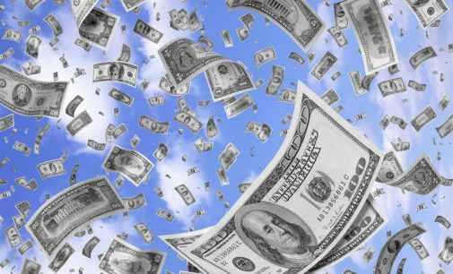 Чистый отток капитала из России за год вырос почти в 2,5 раза
