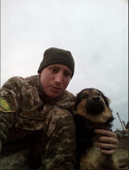 От взрыва гранаты в блиндаже на Донбассе погибли воины 57-й ОМПБ Виталий Люшняк и Эдуард Бершадский 01
