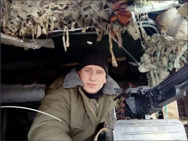 От взрыва гранаты в блиндаже на Донбассе погибли воины 57-й ОМПБ Виталий Люшняк и Эдуард Бершадский 02