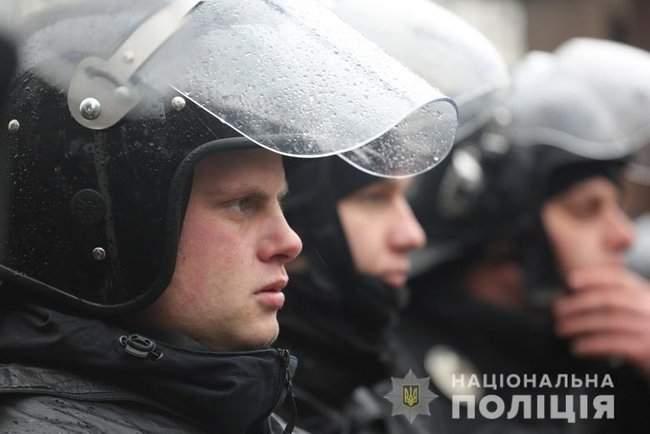 Мероприятия в Киеве прошли спокойно, нарушений не зафиксировано, - Крищенко 01