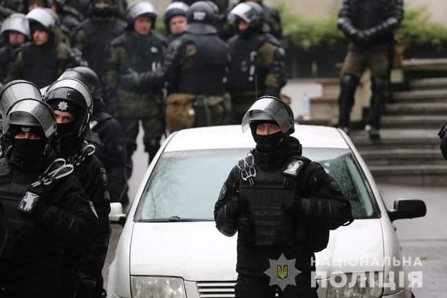 Мероприятия в Киеве прошли спокойно, нарушений не зафиксировано, - Крищенко 03