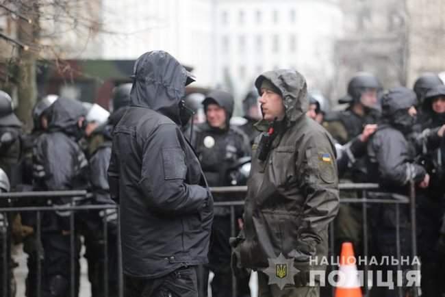 Мероприятия в Киеве прошли спокойно, нарушений не зафиксировано, - Крищенко 04