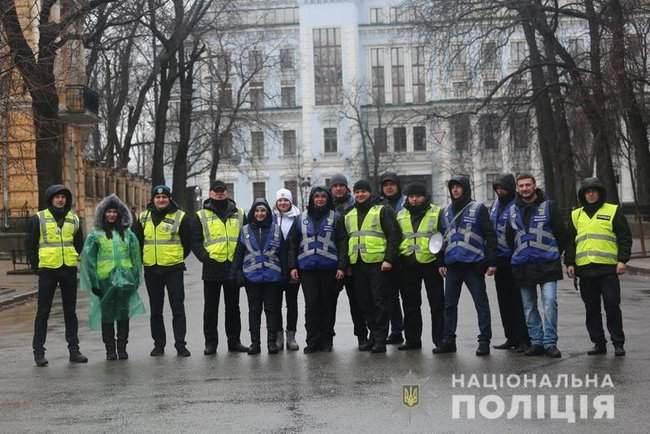 Мероприятия в Киеве прошли спокойно, нарушений не зафиксировано, - Крищенко 05