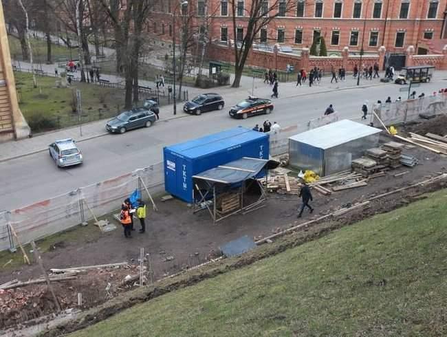 Украинский рабочий погиб под завалом на стройке в Кракове 01