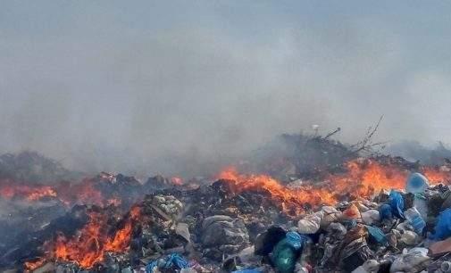В Кам'янському усувають наслідки пожежі на сміттєзвалищі